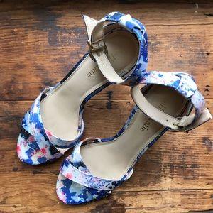 Blue floral sandal